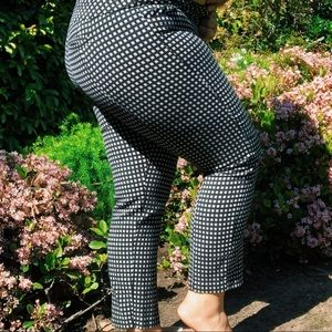 square patterned Elle pants 🔲